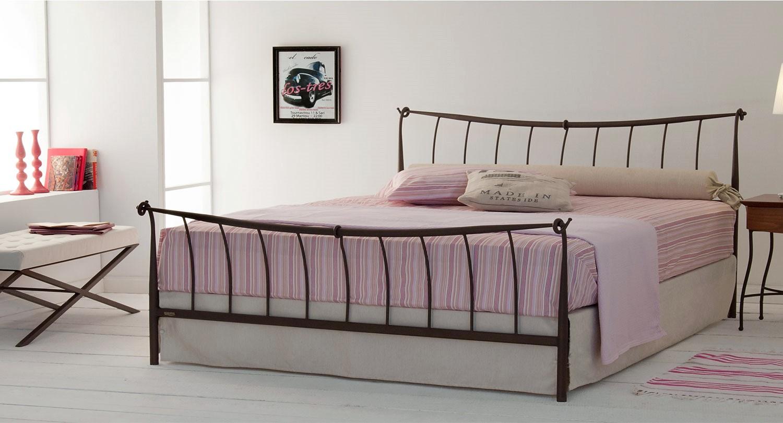 Σιδερένιο κρεβάτι χειροποίητο