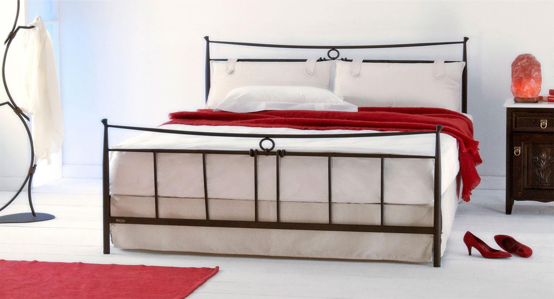 metal handmade bed