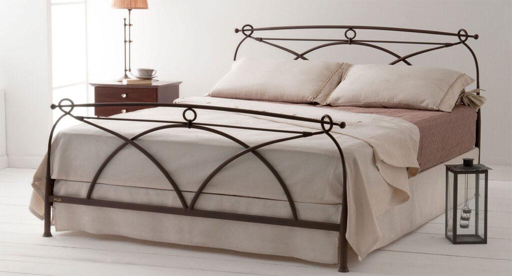 Χειροποίητο κρεβάτι σιδερένιο