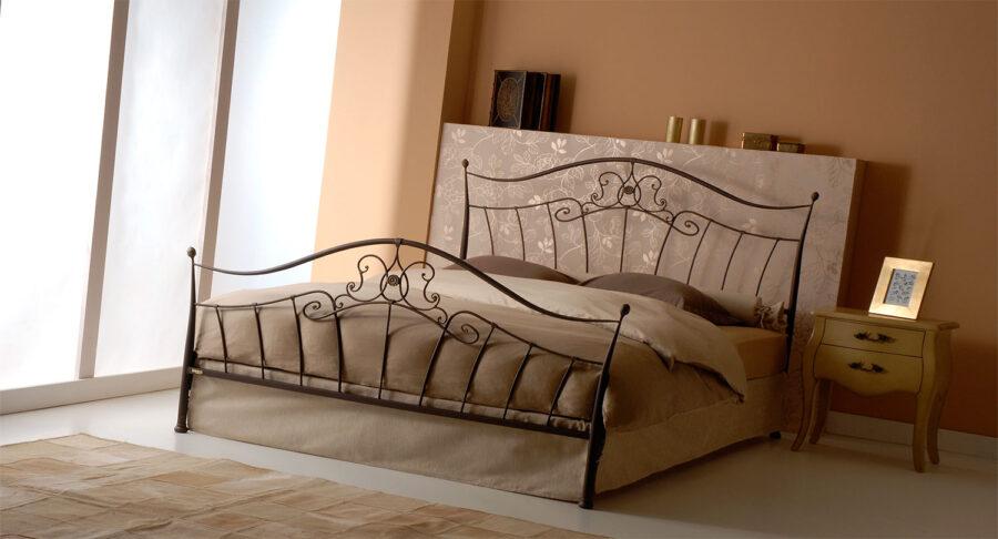 Χειροποίητο μεταλλικό κρεβάτι