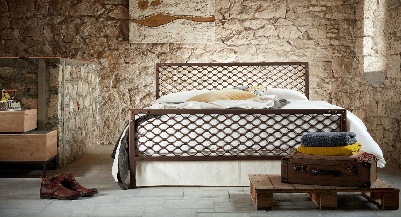 Βιομηχανικό κρεβάτι DIMITRA