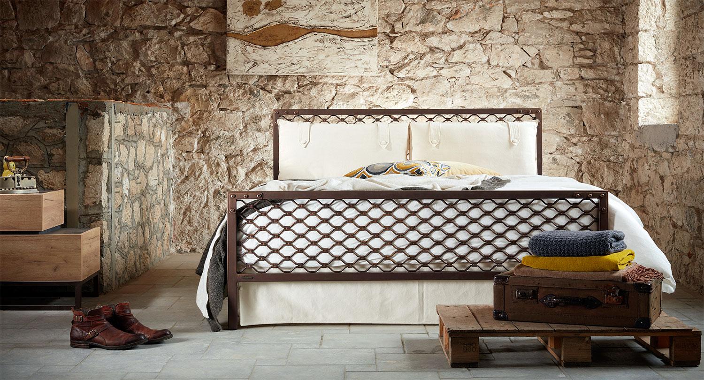 βιομηχανικό κρεβάτι