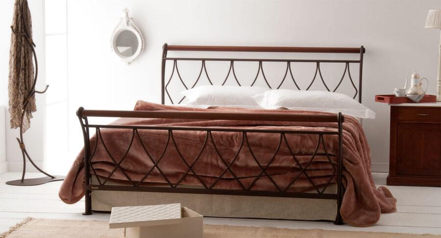 χειροποίητο σιδερένιο κρεβάτι