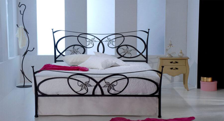 Black metal bed GARDEN 07