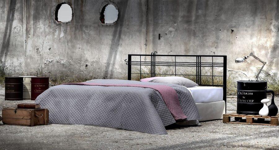 Industrial metal bed frame PANDORA