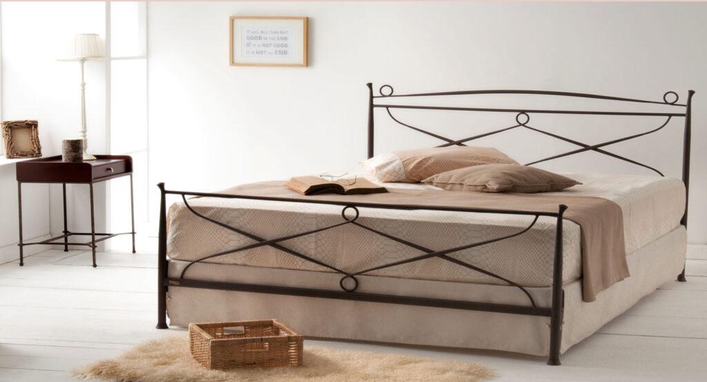 χειροποίητο κρεβάτι μεταλλικό
