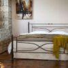 Μεταλλικό κρεβάτι μασίφ