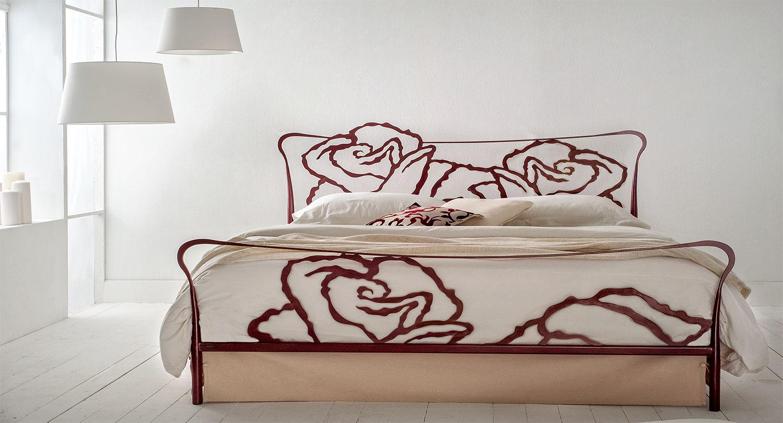 Χειροποίητο κρεβάτι