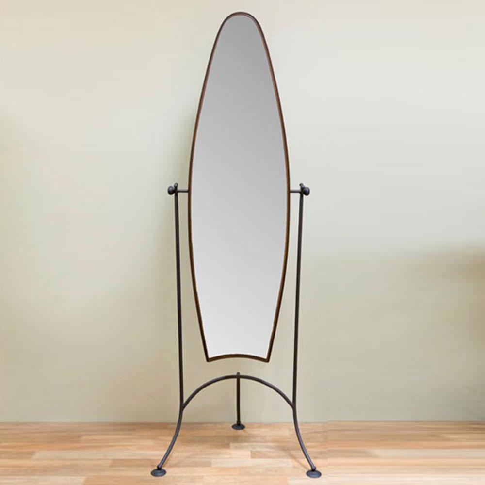 Ο καθρέφτης δαπέδου FLOOR από σφυρήλατο σίδερο είναι μία ιδανική λύση για να ολοκληρώσετε το ύφος του υπνοδωματίου σας