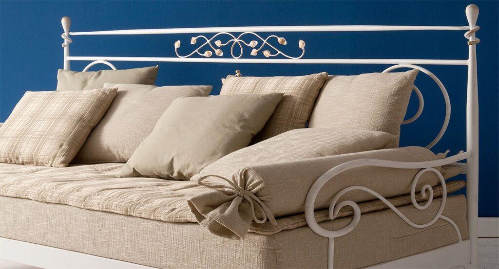 Μεταλλικό κρεβάτι καναπές